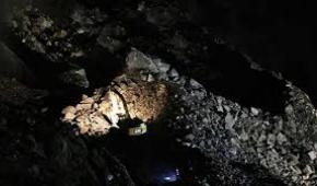 پیکر یکی از ۲ کارگر معدن زیر آوارمانده پیدا شد